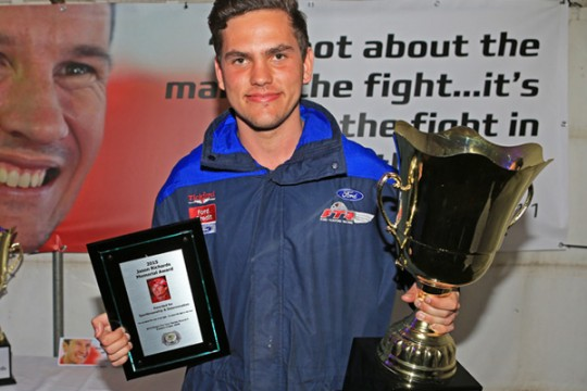 Jack Richardson presented with JR Memorial Award at Eastern Creek