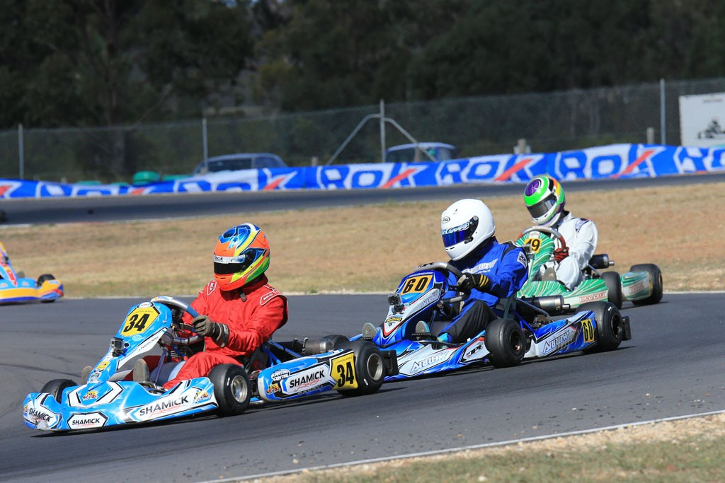 KA3 Title contender Jordan Nicolaou (#34) leading Cody Donald (Pic: Coopers Photography)