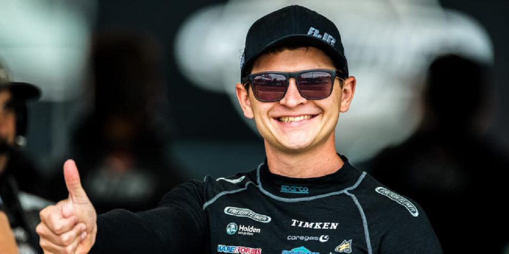 SUPERCARS DUO RETURN TO RACING THIS WEEKEND IN EMERALD